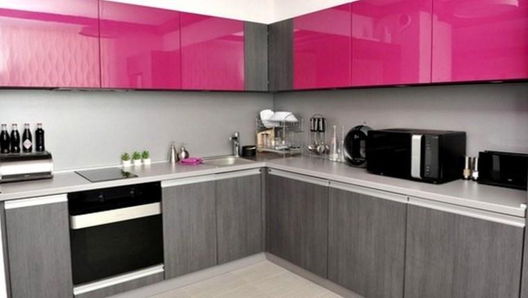 Renkli mutfak dolapları ile mutfağınıza enerji katın