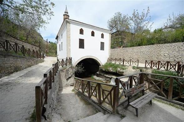 Lütfiye (Kaçak) Camisi